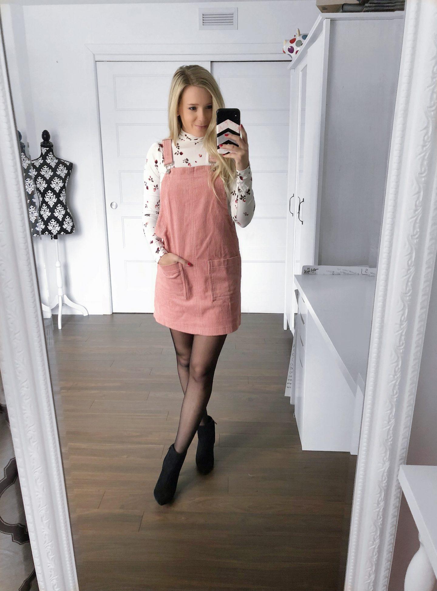e77e776aca8 Comment porter la robe-salopette  - Les trouvailles de Sarah