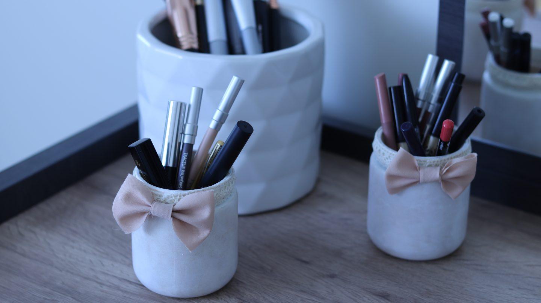 Les petits pots à maquillage